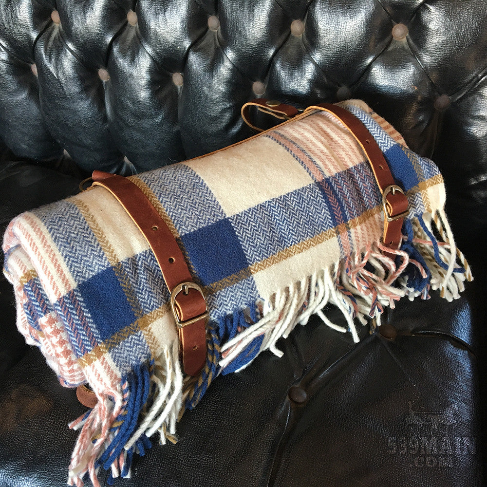 Pendleton | Lambswool Throw with Leather Carrier | Hampshire Plaid