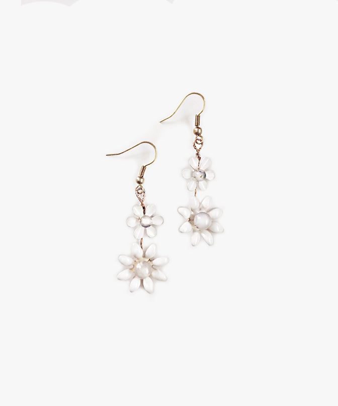 Sweet Daisy Drop Earrings