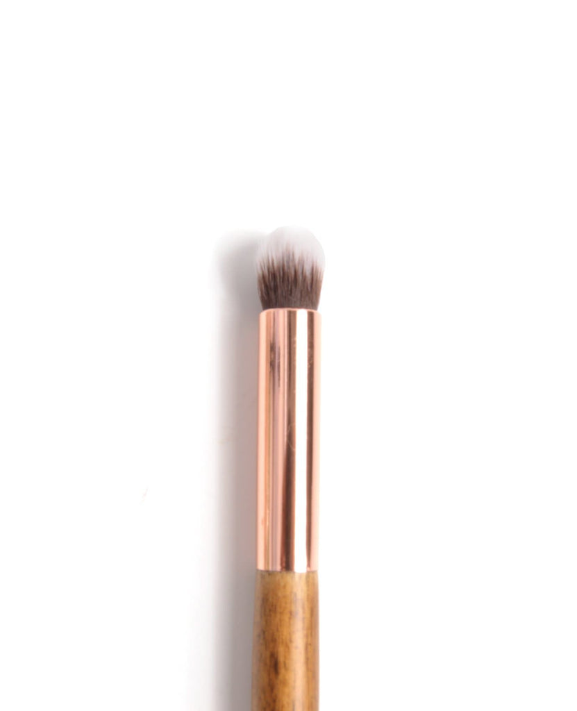 Amor Us Crease Eyeshadow Blending Brush - #107