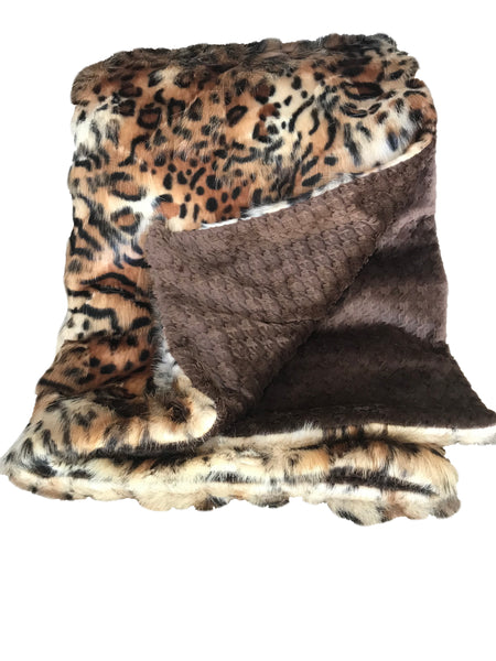Tigress Faux Fur Throw with Houndstooth Minky Reverse