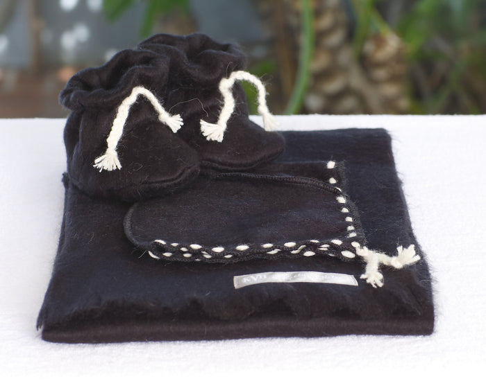 Alpaca 3-piece blanket, bonnet, & bootie set in Jet Set Black