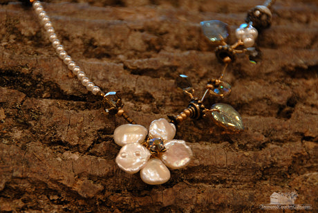Pearl Tendril Handmade Necklace