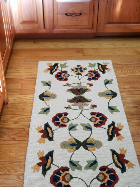 treasuredcountrygifts.com vine and blossom runner rug
