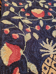 treasuredcountrygifts.com pineapple runner up close