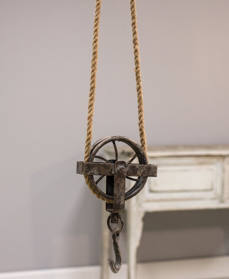 Large Pulley with Rope