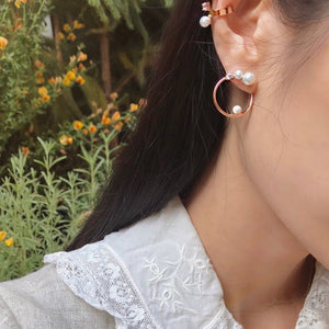 avec new york pearl hoop earring