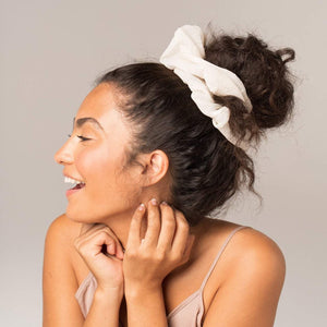 dinner scrunchie | cream