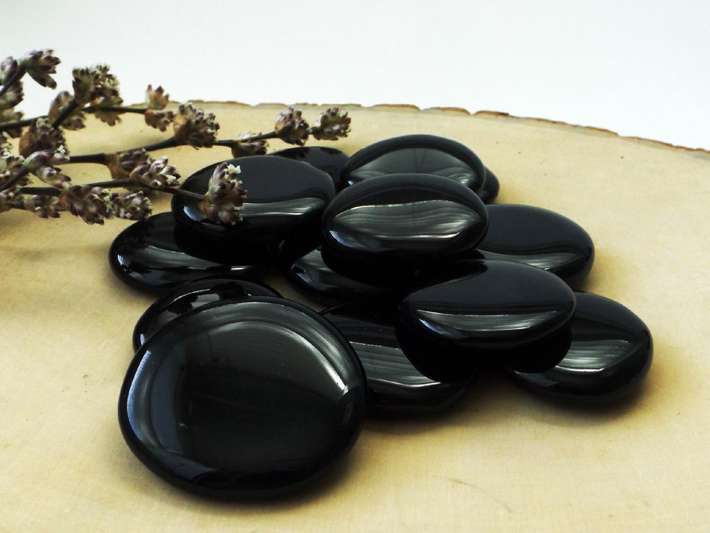 Black Obsidian palm stone - Esoteric Aroma