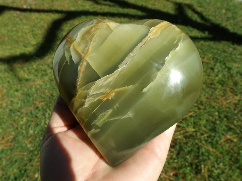 Green Onyx Puffy Heart Crystal - Esoteric Aroma
