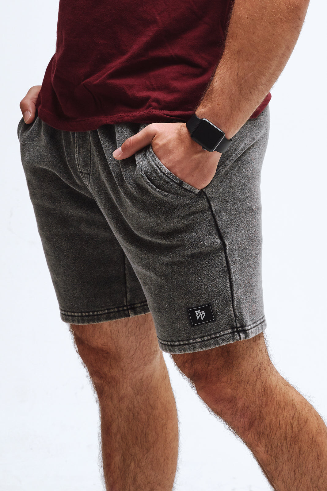 Comfy short in gray.