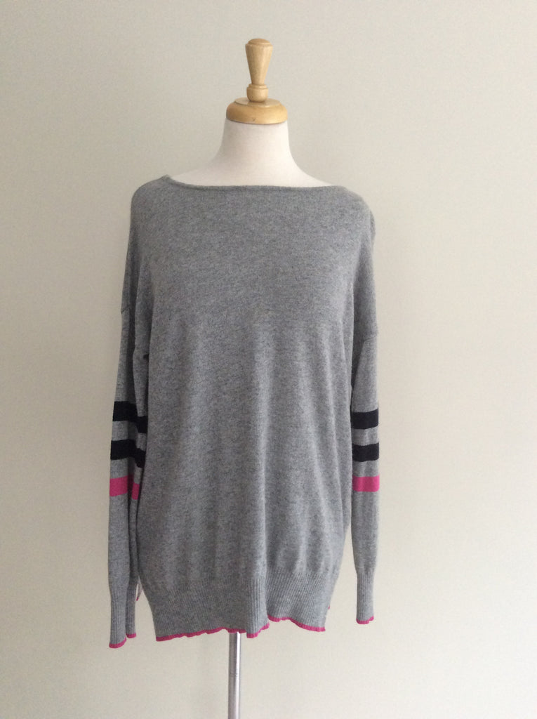 GREY STRIPED SLEEVE KNIT