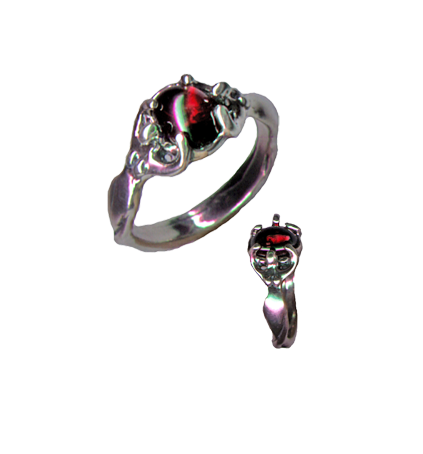 Earthdreamer Ring w/ Garnet - The Eccentric Muse