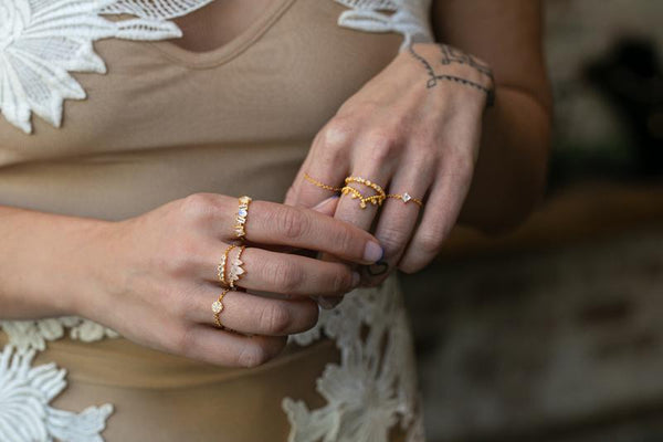 Stacker Chain Ring in Gold - Corail Blanc