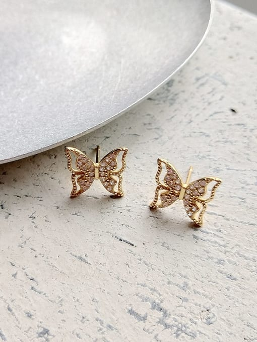 White Butterfly Studs - Corail Blanc