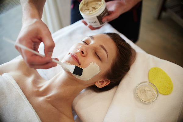 "Eunogo Picks: Our Top 4 ""Light"" Beauty Treatments to Try in Seoul"