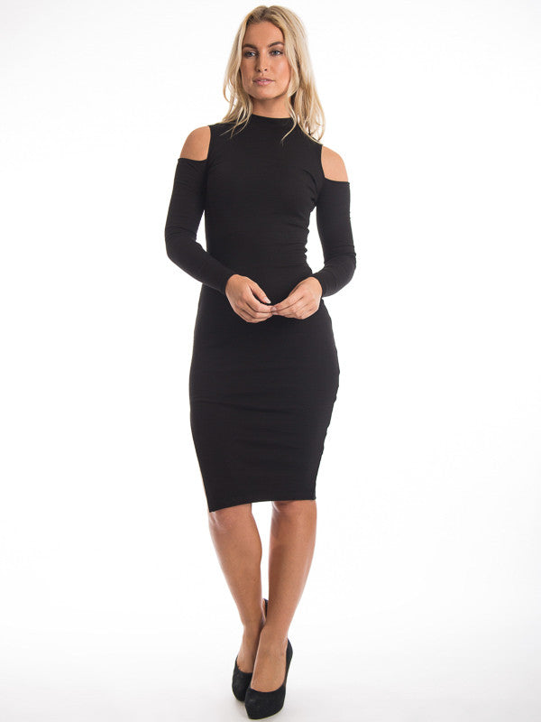 bloggers-favorites aoki nude shoulder dress vera-lucy
