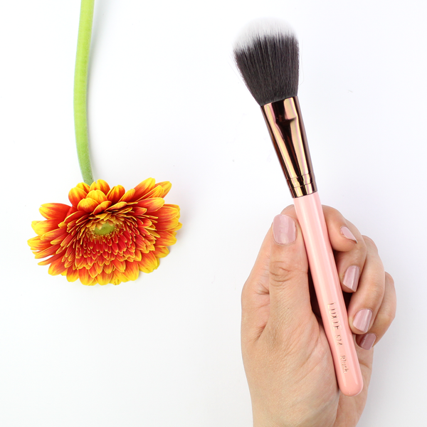 LUXIE Rose Gold Blush Face Brush 514
