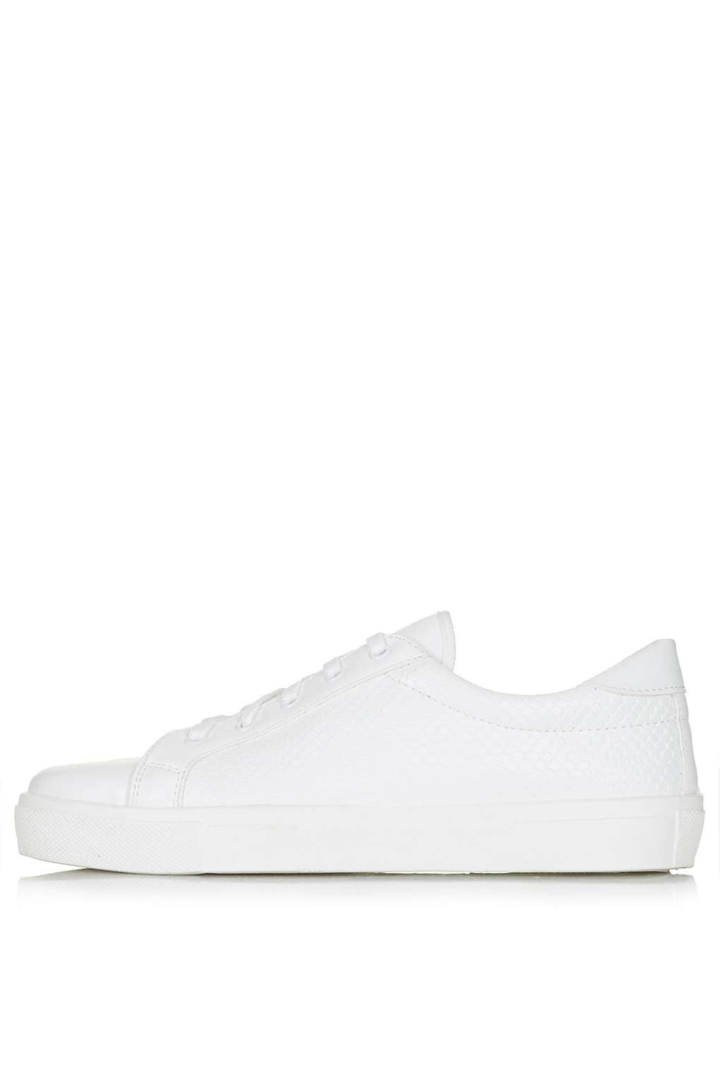TopShopCOPENHAGEN Lace-Up Sneakers