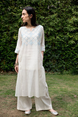 Kora- Powder Blue Waterlily Kalidar