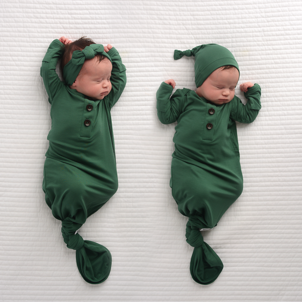 Gigi & Max - Knotted Button Newborn Gown and Hat Set - Hunter Green