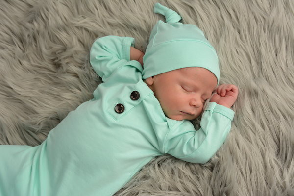 Knotted Button Newborn Gown and Hat Set - Finley Mint