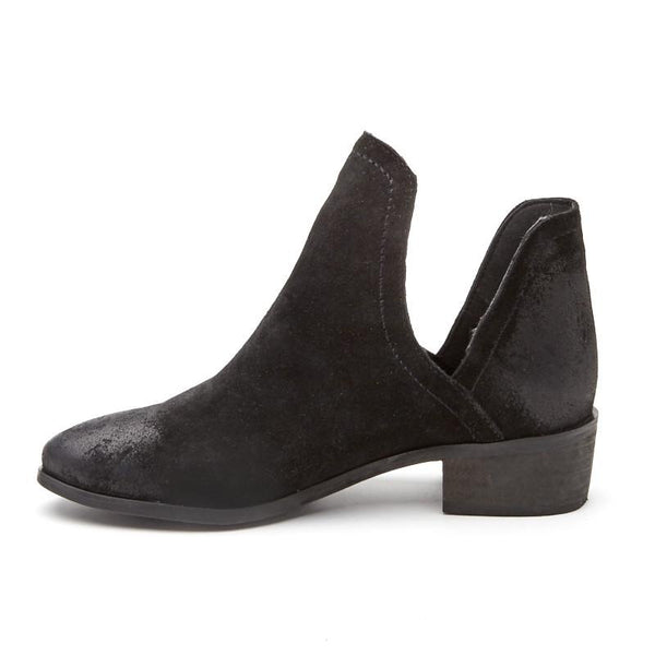 Pronto Black Ankle Booties by Matisse Coconuts Collection