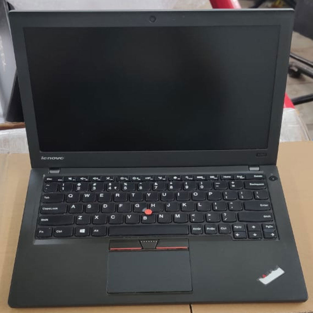 "Used Lenovo ThinPad x250 / Core i5 5th gen processor /  RAM 4 GB / 500 GB hdd / Webcam / 12.5"" screen - ThinPC"