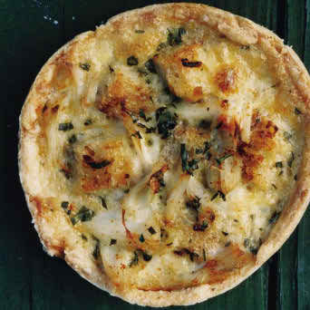 MINI SPINACH AND HAM QUICHE WITH OAT CRUST