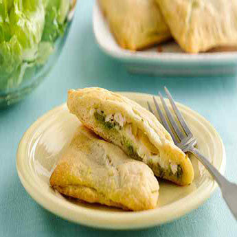 ROTISSERIE CHICKEN PESTO CRESCENT POCKETS