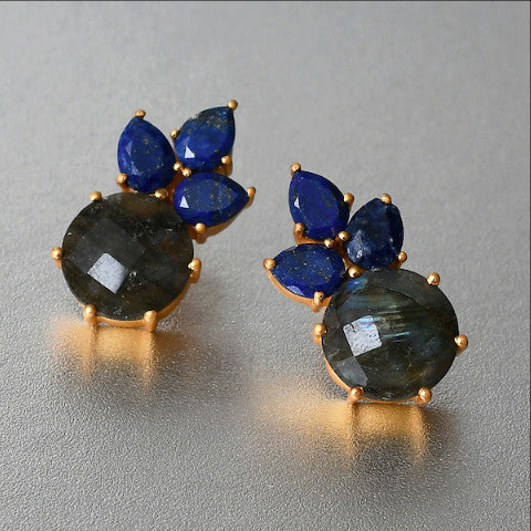 A must -have for the style conscious sophisticate, this stud earrings is luxury jewelry that speaks for itself. Adorned with lapis and labradorite gemstones, this pair of designer earrings is simply exquisite.
