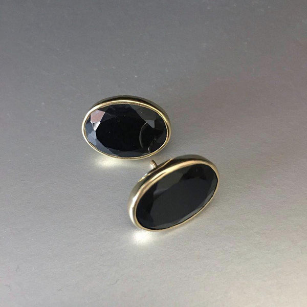 Leya black onyx studs are a cute addition to the Mia Siya family. Sometimes, simplicity goes a long way. Gold plated studs with black onyx gemstones are versatile, comfortable, bold yet quite the statement piece.