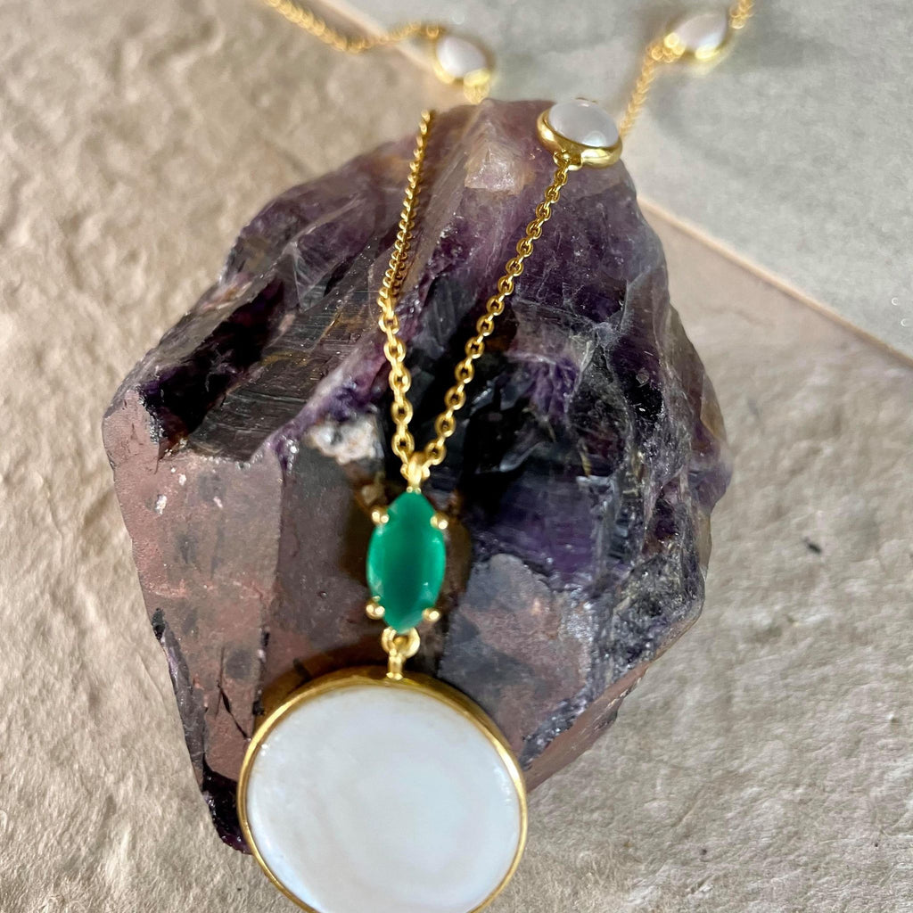 Pearl Necklace With Green Onyx