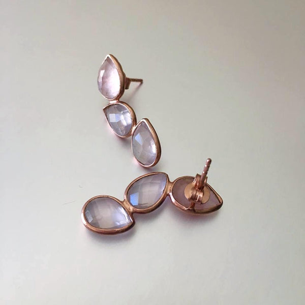 A trending design, these dreamy gemstone earrings studs are a must-have. The faceted pink chalcedony sparkles beautifully from different angles yet it being subdued enough to be used as everyday earrings.