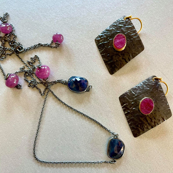 Zaraa Necklace With Ruby And Blue Sapphire