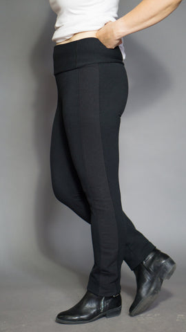 Lynne Pant in Midnight Black