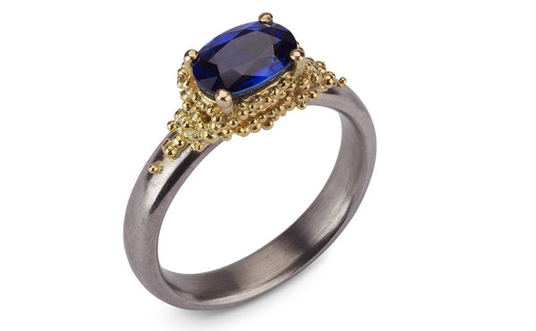 11. Cluster ring - blue sapphire