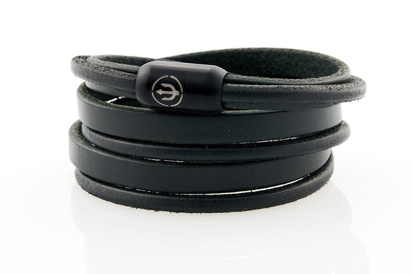 Maritime design bracelets for men by NEPTN. Nautical style bracelets with anchor engraving. Magnetic closure