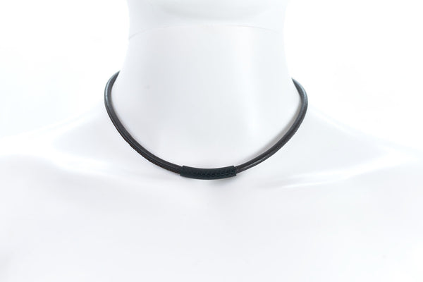 Maritime design chokers for women by NEPTN. Nautical style chokers with anchor engraving & magnetic closure.