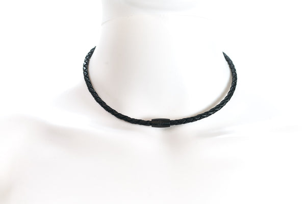 Maritime design chokers for women by NEPTN. Nautical style chokers with anchor engraving & magnetic closure. Black leather
