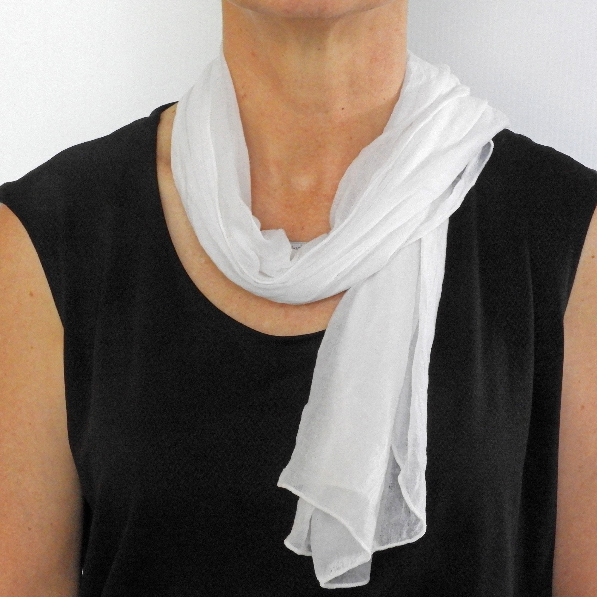 seashell white neck-scarf