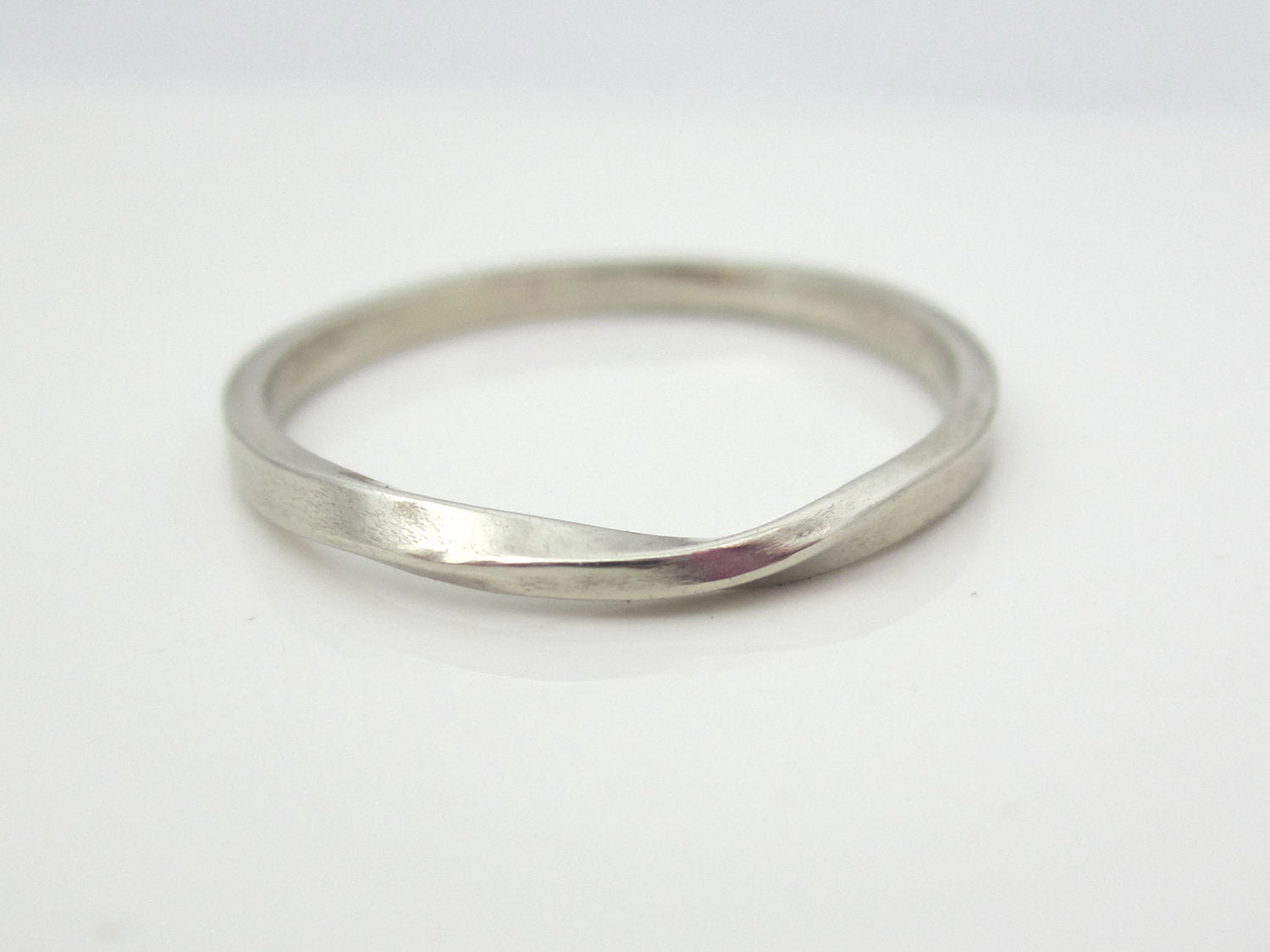 b52ee30a624 White Gold Mobius Strip Ring