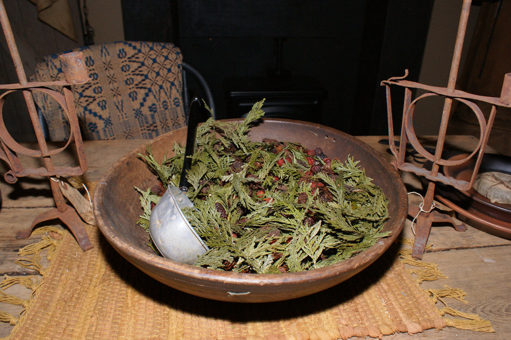 Gallon of Christmas Thyme Potpourri/911