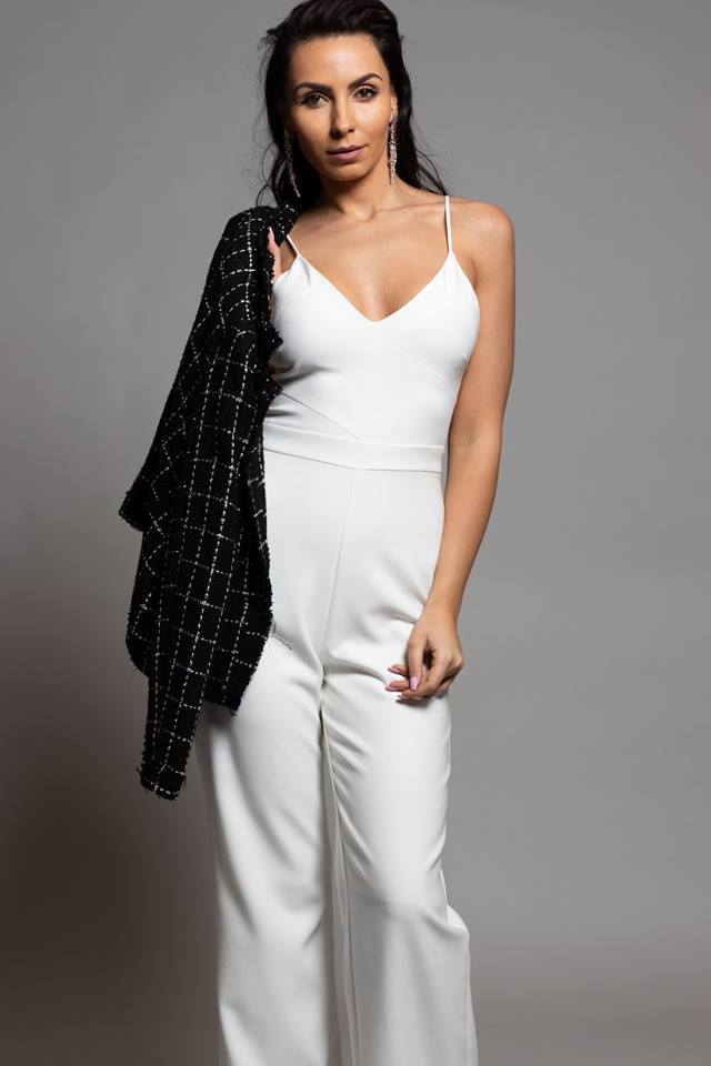 WHITECLASSIC JUMPSUIT