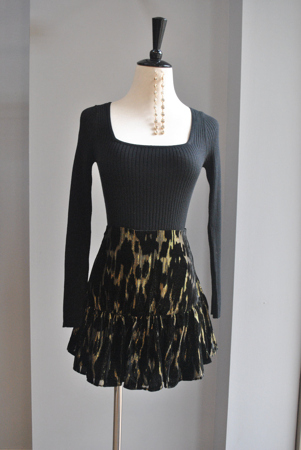 BLACK VELVET AND GOLD MINI SKIRT