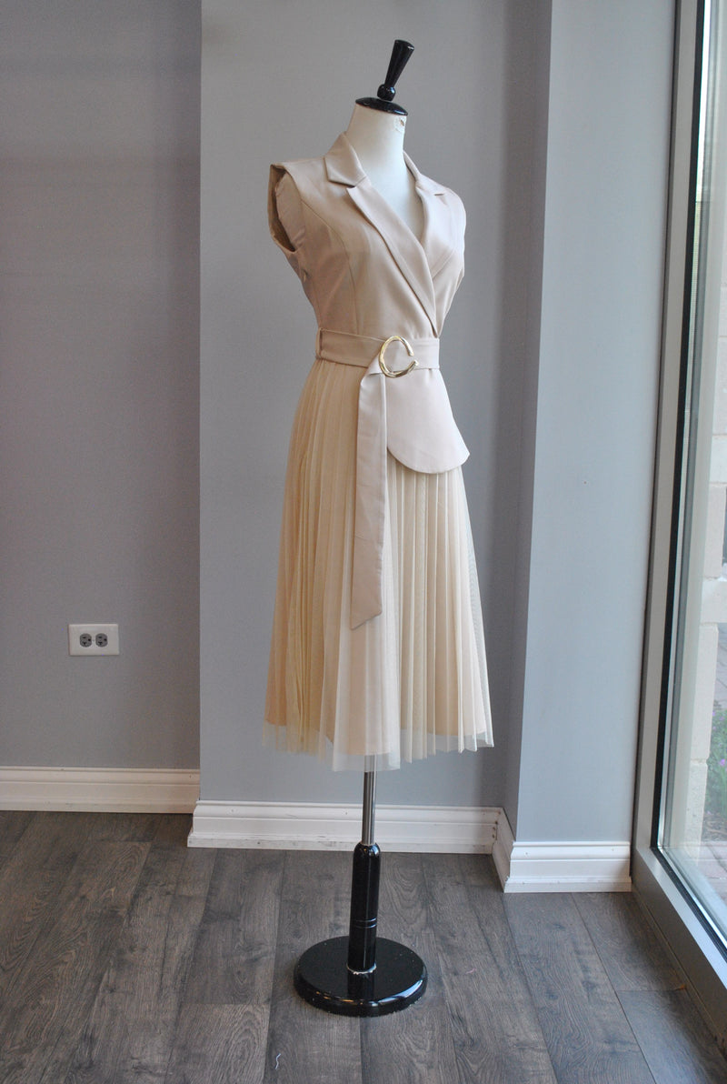 BLACK ASYMMETRIC SILKY TOP