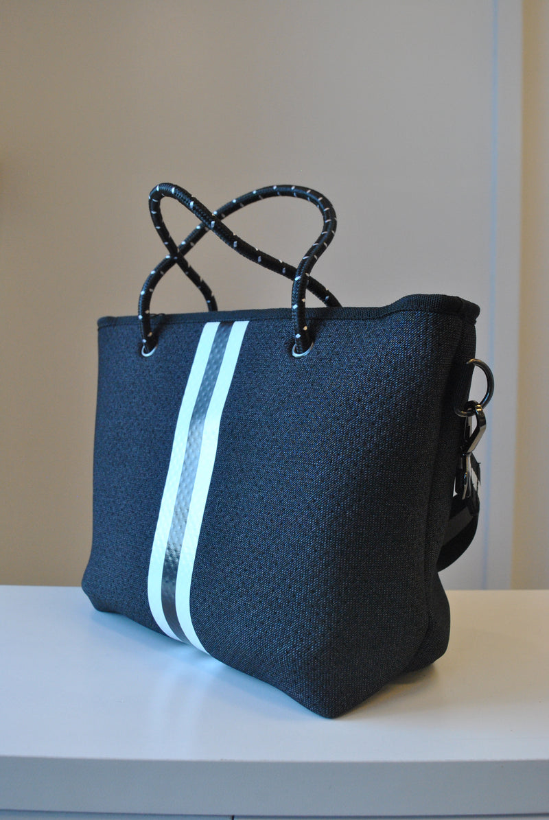 BLACK AND WHITE HANDBAG WITH CROSSBODY THICK STRAP