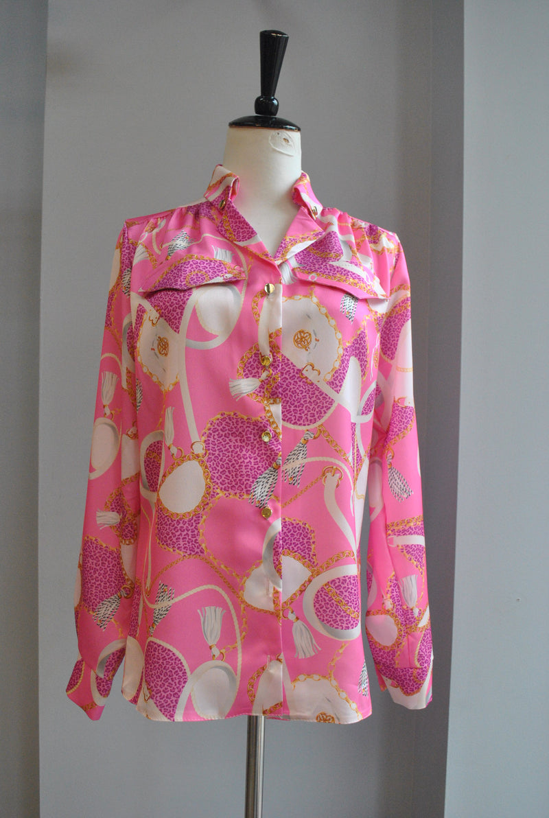 OFF WHITE SWEATER DRESS WITH WHITE PEARLS
