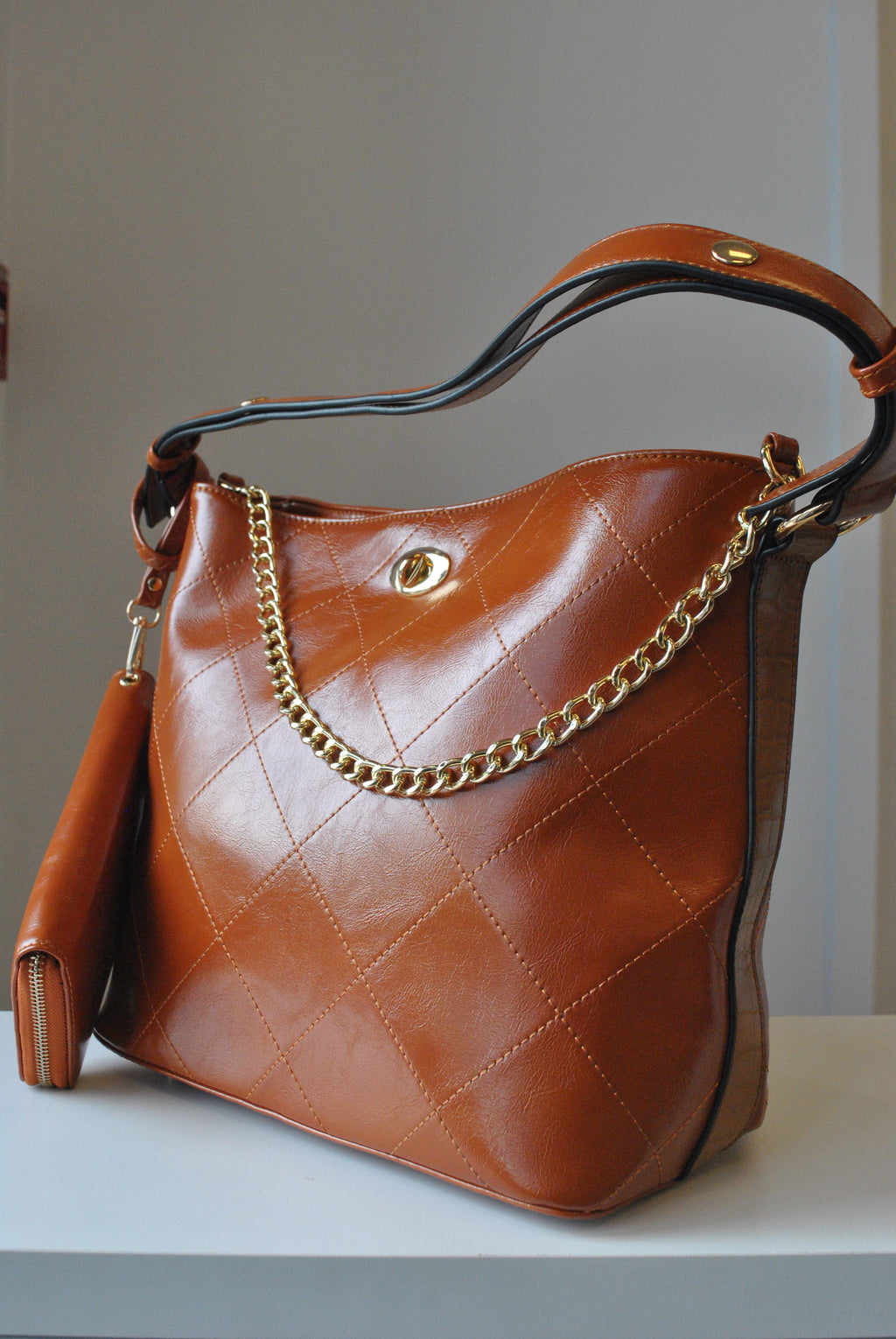 COGNAC COLOR FAUX LEATHER SHOULDER BAG WITH A WALLET