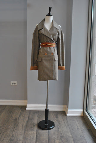 BROWN AND BEIGE PLAID PRINT OPEN STYLE COAT WITH A BELT
