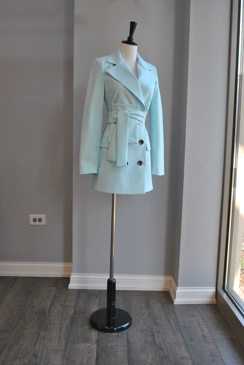 AQUA BLUE DOUBLE BREASTED FIT JACKET WIT A BELT